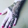 Henna Artist 98